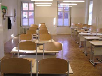 FRISSÍTVE: Nem szünik meg a kémiai líceum