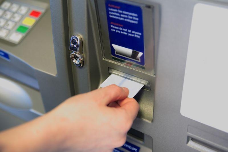 Romániában is megosztanák a bankokkal a devizahitelesek árfolyamterheit