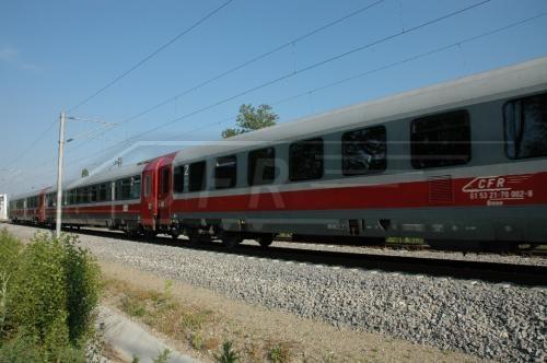 A leromlott vasúti pálya miatt lassúak a romániai vonatok