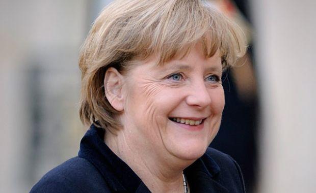 Merkel: meg kell akadályozni az illegális migrációt