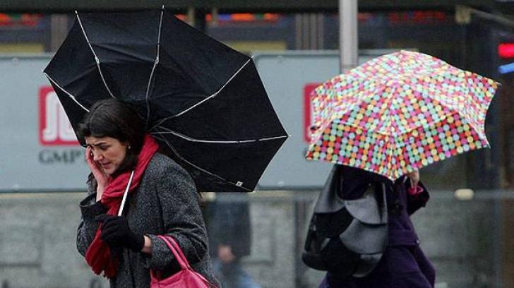 Nagy mennyiségű csapadék, lehűlés és erős szél várható a következő napokban