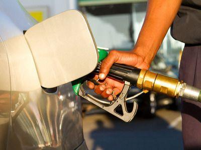 Csökkent az élelmiszeripari termékek valamint az üzemanyag forgalma