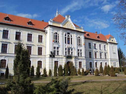 Teremhasználati vita okoz feszültséget Marosvásárhelyen az Unirea és a római katolikus gimnázium között