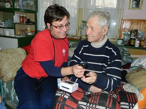 Mobiltelefonnal a gondozottak életminőségének javításáért