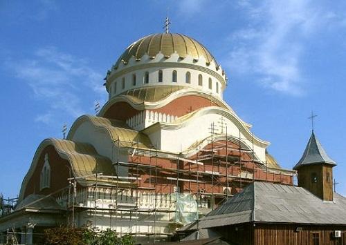 Hetente három új templom épül Romániában