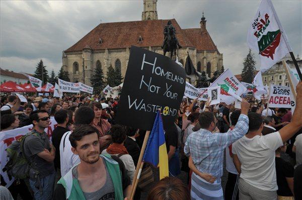 A Verespatak-törvény ellen tüntettek Romániában