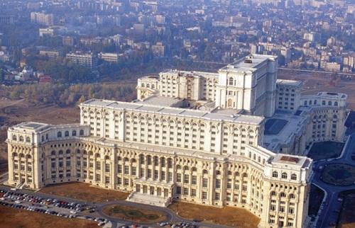 Elhunyt Ceausescu gigantikus palotájának tervezője