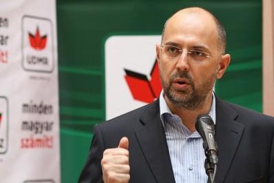 Kelemen Hunor: nem lehet a tömbmagyarság érdekeit a szórvány ellen érvényesíteni