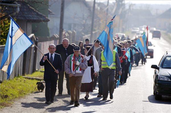 Autonómiát követeltek Székelyföldnek a demonstráció szónokai