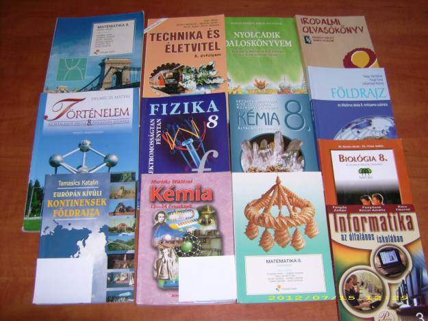 Százmilliós tankönyvcsomagot kapnak az erdélyi magyar iskolák