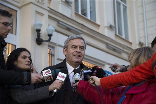 Románia Csillaga érdemrend becsületbírósága: Tőkés méltatlan a kitüntetésre