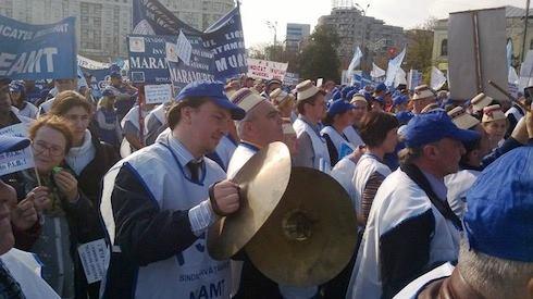 Magasabb bérekért tüntettek pedagógusok Bukarestben