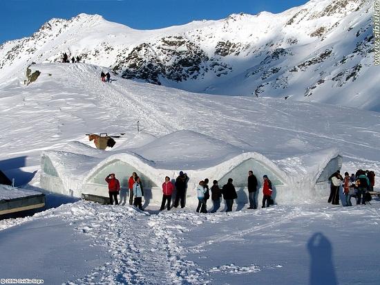 Megnyitották a Jéghotelt a Bâlea-tónál