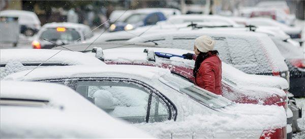 Hideg, szeles idő várható hét végén havas esővel, hóval