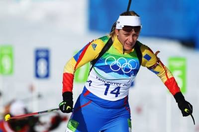 Magyar sportoló viszi a román zászlót a téli olimpia nyitógáláján