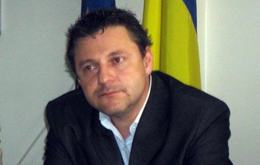 Beiktatták tisztségébe Brassó megye új magyar prefektusát