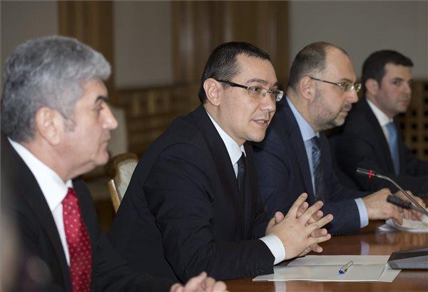 Bemutatta új kormányát Victor Ponta román miniszterelnök