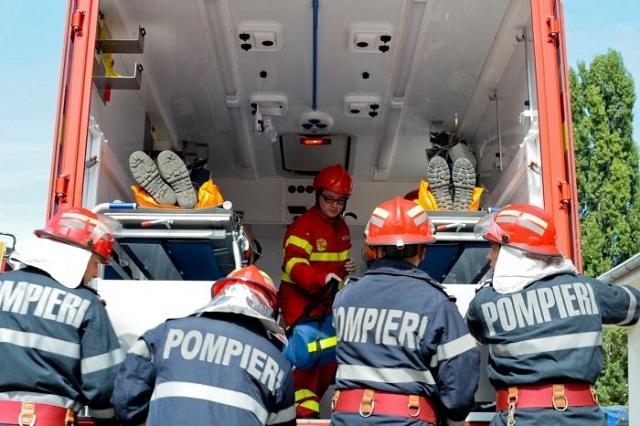 Tűzoltókocsival ütközött egy személygépkocsi Marosvásárhelyen, miután nem adott elsőbbséget a tűzoltóknak