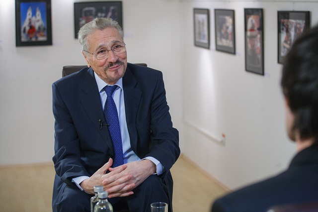 Exkluzív interjú Emil Constantinescuval az Erdély TV-ben