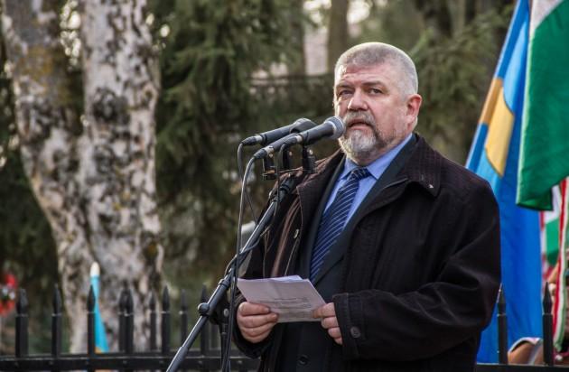 Izsák Balázs szerint nemmel kell szavazni a kvótareferendumon