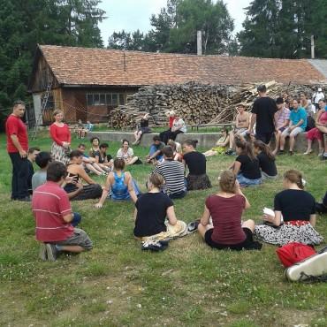 Cigánytánc tábor zajlik Kommandón