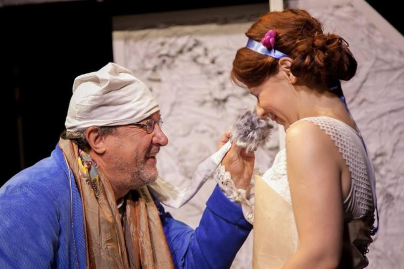 A mikházi Csűrszínházban tartja 'A nők iskolája' című darabjának premierjét a Spectrum Színház