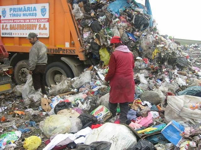 A hulladék lerakásáért fizetendő környezetvédelmi adó bevezetésének halasztását kéri a Maros Megyei Tanács