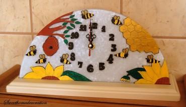 Üvegre festett, időt mérő időtlenség… avagy Judit'Anna kézműves órái