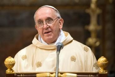 Ferenc pápa: aggasztó méretet ölt a keresztények üldözése