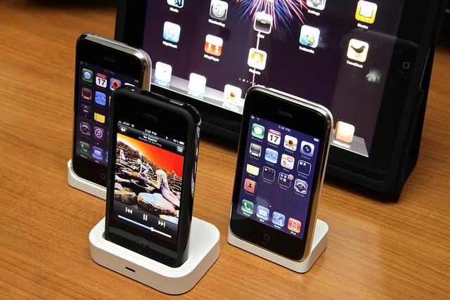 Tavaly várakozáson felül nőtt az okostelefonok piaca Romániában