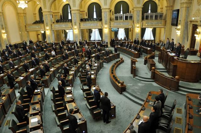 Elfogadta a szenátus a bírák és ügyészek jogállásáról szóló törvényt módosító tervezetet