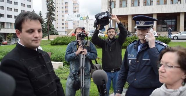 Pert nyert a román hatóságok ellen a székely zászló miatt megbírságolt Tőke Ervin