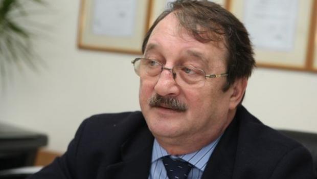 Két év börtönre ítélték Mircea Basescu-t, Traian Basescu volt román államfő testvérét