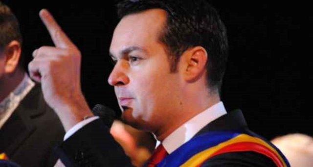Letette hivatali esküjét Nagybánya letartóztatott polgármestere
