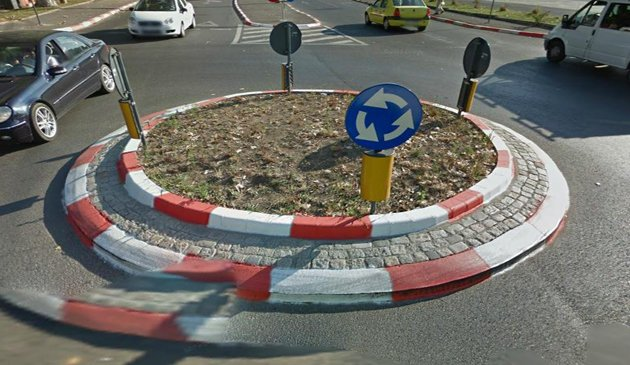 A helyi tanács elfogadta a Marosvásárhely Segesvár felőli kijáratánál levő körforgalom korszerűsítését