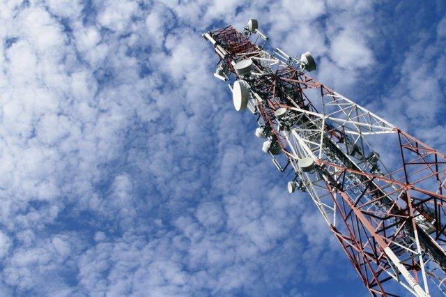 Három mobilszolgáltató kapott büntetést mert nem teljesítették a lefedettségi kötelezettségüket!