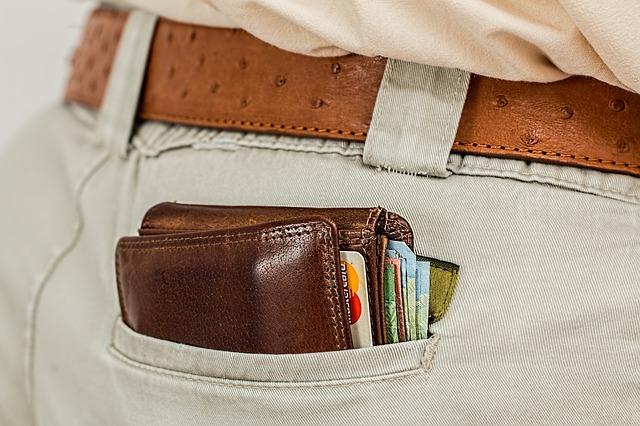 Öt elhagyott pénztárcát adtak át év elejétől a helyi rendőrségnek Marosvásárhely lakosai