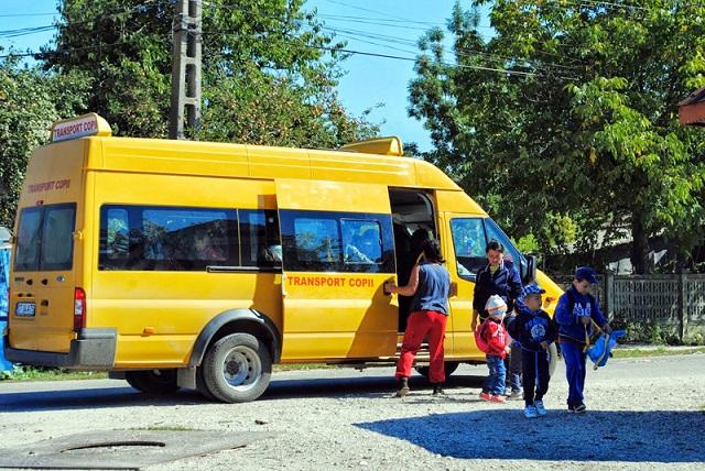 Eldőlt: teljes mértékben fedezi a kormány a diákok utazási költségeit