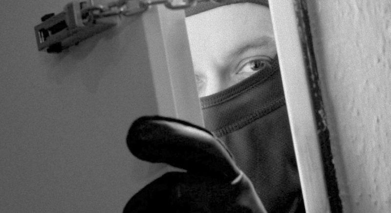 Számos betöréssel gyanúsítanak a rendőrök egy fintaházi férfit