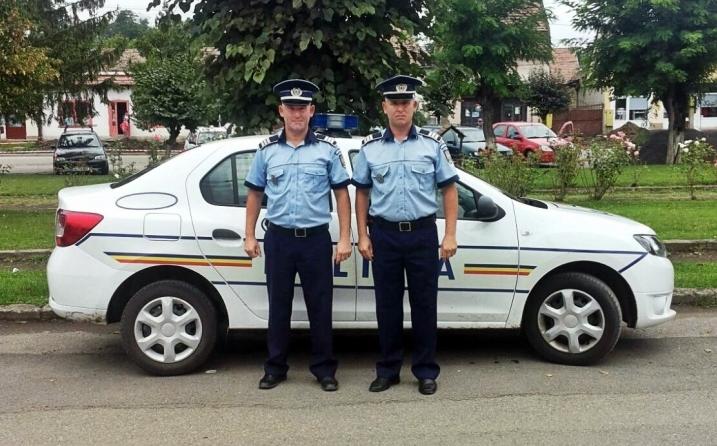 Ezt a marosvásárhelyi magyar rendőr ikerpárt sztárolja most Románia!