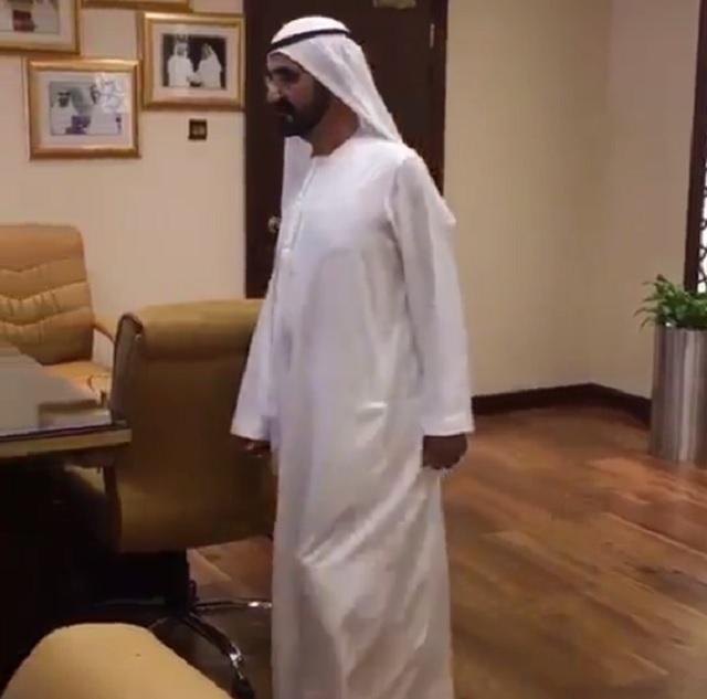 Elbocsátotta a dubaji városi kormányzat több vezetőjét az uralkodó, mert nem talált senkit az irodákban