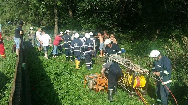 Felborult egy autó Vármezőn, 4 sérült