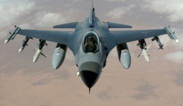 Románia szerdán veszi át az első hat felújított F-16-os harci repülőgépet Portugáliától
