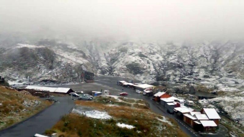 Lehullott az első hó a Bâlea-tónál