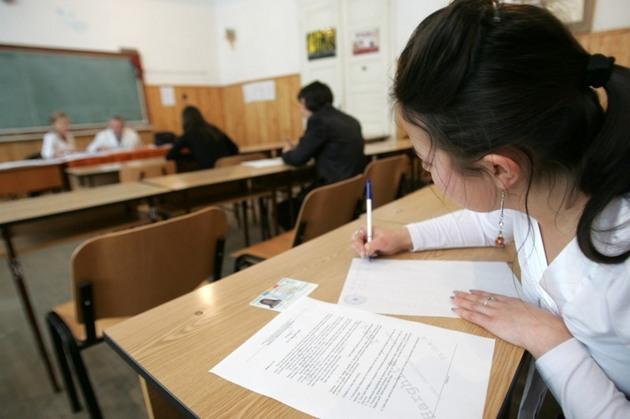 Több mint 135.000 diák iratkozott be az érettségi írásbeli vizsgáira