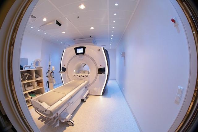 Országos premier: új mágneses rezonancia-készüléket kapott a Maros megyei kórház
