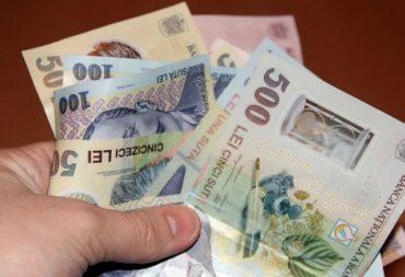 Diplomás minimálbér bevezetésére készül a kormány