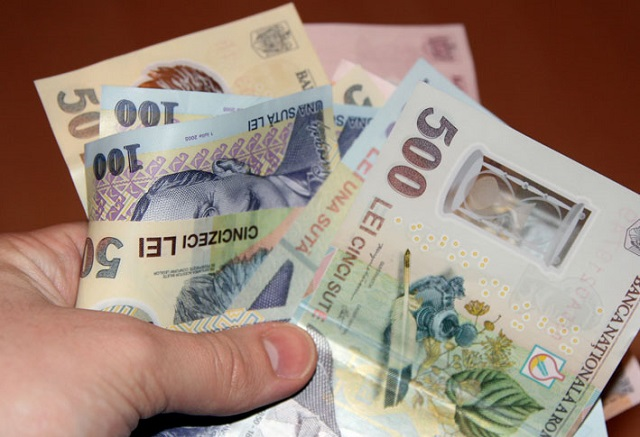 Januártól több mint harminc százalékkal nő a minimálbér