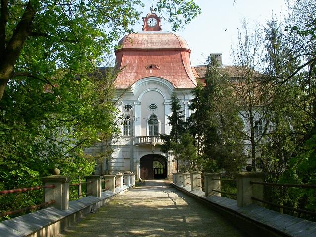 Erdély egyik legszebb építménye a gernyeszegi Teleki-kastély