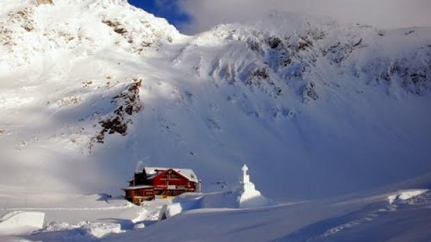 Csaknem egyméteres hó van a Bâlea-tónál